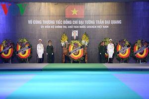 Hình ảnh Lễ truy điệu Chủ tịch nước Trần Đại Quang tại quê nhà Ninh Bình