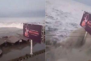 Hoảng loạn tại hòn đảo du lịch Indonesia sau động đất, sóng thần