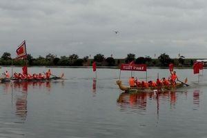Sôi nổi giải đua thuyền chải truyền thống tỉnh Hải Dương