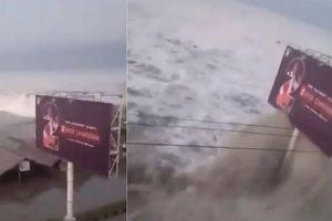 Sóng cao 2m tràn vào Indonesia sau động đất 7,5 độ Richter