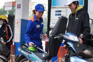 Tăng thuế môi trường với xăng dầu: Bộ Công Thương kiến nghị 'né' dịp Tết