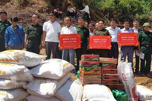 Hỗ trợ gạo và nhu yếu phẩm cho người dân Lào bị ảnh hưởng do mưa lũ