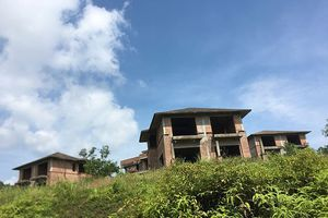 Biệt thự xây trái phép ở Ba Vì: Kéo dài xử lý để… hợp thức hóa?