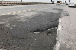 Sửa mặt cầu Thăng Long: Chọn chuyên gia Nga vì họ từng làm cầu