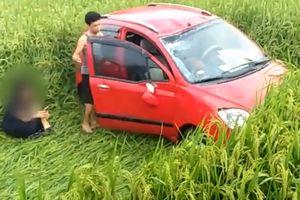 Nữ tài xế phi xe 'san phẳng' ruộng lúa ở Tuyên Quang