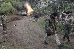 Chiến sự Syria: Bị phiến quân đột kích, quân chính phủ dội 'mưa tên lửa' đáp trả tại Latakia