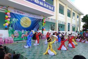 Chung tay cùng trẻ em vui tết trung thu tại Vĩnh Tân