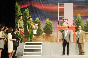 Đoàn kịch CAND đưa 'Bão của hoàng hôn' dự Liên hoan sân khấu Thủ đô