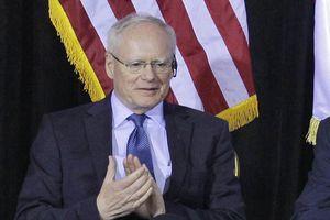 Mỹ 'quay ngoắt 180 độ', tuyên bố không ép buộc Iran rời khỏi Syria