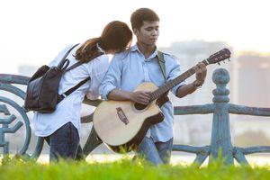 Chiều thứ bảy tuyệt đẹp bên hồ lãng mạn nhất Hà Nội