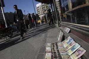 6 tháng, đồng rial mất giá 170%, Iran phải vượt khó?