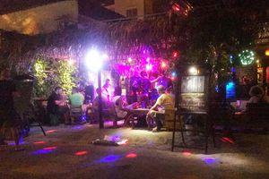 Đột kích quán bar ở Đà Nẵng, phát hiện 18 người nước ngoài dương tính ma túy