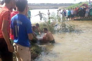 Nước lũ dâng cao cuốn trôi 3 người ở Gia Lai