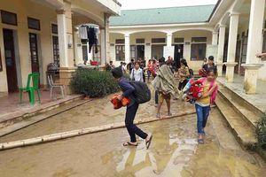 Mưa lớn khiến trường vùng cao Nghệ An bị ngập lần hai