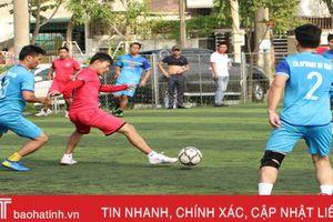 Khai mạc Giải Bóng đá nam thanh niên khối Doanh nghiệp Hà Tĩnh
