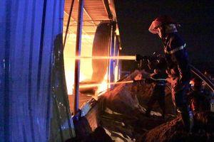 Hỏa hoạn thiêu rụi nhà xưởng hơn 1.000 m2 ở Bình Dương