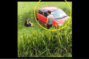 Clip: Hình ảnh ô tô nằm 'chễm chệ' trên đồng ruộng sau tai nạn