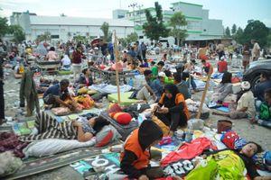 Hình ảnh tang thương sau trận động đất, sóng thần kinh hoàng ở Indonesia