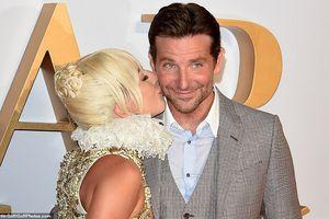 Lady Gaga thân mật với bạn diễn điển trai trên thảm đỏ