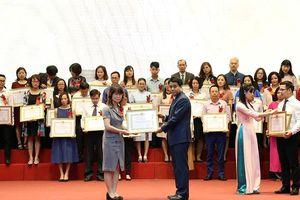 Hà Nội tuyên dương 413 cá nhân, tổ chức chấp hành tốt nghĩa vụ thuế