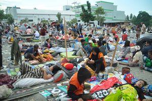 Động đất kinh hoàng tại Indonesia: 400 người thương vong