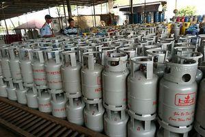 Giá gas tháng 10 tăng thêm 12.000 đồng/bình 12 kg