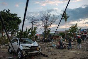 Thảm họa sau sóng thần ở Indonesia - tiếng khóc từ những đống đổ nát