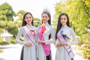 Trần Tiểu Vy, Phương Nga đẹp nao lòng khi trở lại Hạ Long