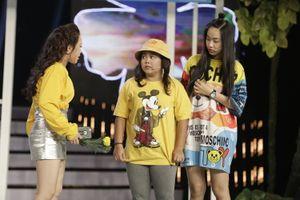 Hoàng Ân gây ấn tượng với đề tài livestream khoe đồ hiệu của hội 'Rich kid'