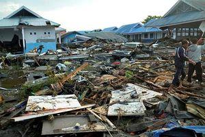 Hơn 400 người thiệt mạng, Indonesia dốc sức tìm kiếm người sống sót