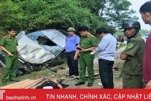 Xe bán tải mất lái rơi xuống mương nước, 1 người tử vong
