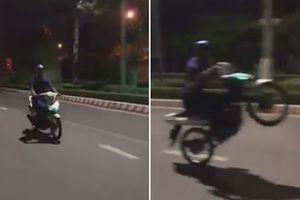 Biểu diễn bốc đầu xe máy, nam thanh niên nhận hậu quả nhớ đời