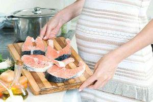 Bà bầu không dám ăn cá vì sợ thủy ngân, bác sĩ dinh dưỡng nói gì?
