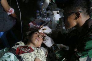 Số người chết do động đất, sóng thần ở Indonesia tăng nhanh