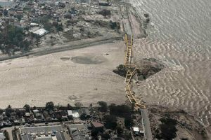 Indonesia tăng cường tìm kiếm những người sống sót sau động đất và sóng thần mạnh