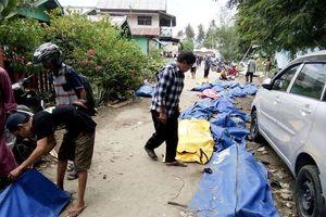 Thảm họa động đất, sóng thần ở Indonesia: Nhiều thi thể nổi trên mặt biển