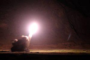 Quân đội Iran tấn công tên lửa quy mô lớn vào hang ổ khủng bố IS ở Syria
