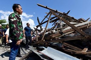 'Thi thể khắp nơi', Palu hoang tàn sau thảm họa động đất, sóng thần