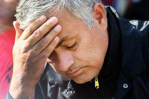 MU sa sút, còn chờ gì mà không sa thải Mourinho?