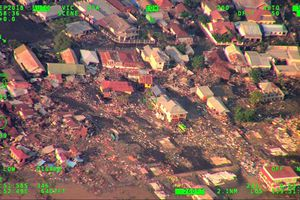 Thảm họa kép động thất - sóng thần tại Indonesia nhìn từ trên cao