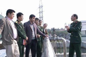 Đại tá quân đội tìm cách xử lý nước thải công nghiệp