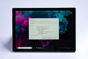 Microsoft sẽ giữ giá Surface Pro 6