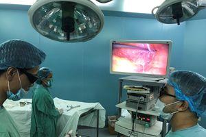 Phẫu thuật bằng nội soi 3D cho bệnh nhân mắc khối sa ở 'vùng kín'