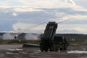 Nga chế tạo UAV cất cánh từ… tên lửa