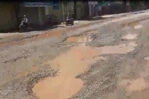 Nghệ An: Quốc lộ 7B xuống cấp, dân ăn cơm 'trộn bụi'!