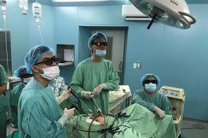 Lần đầu tiên phẫu thuật nội soi 3D điều trị sa sinh dục nữ