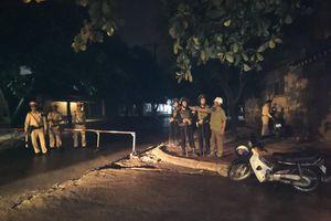 Huy động thêm lực lượng vây bắt đối tượng ôm lựu đạn cố thủ trong nhà