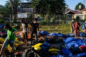 10 sinh viên Việt Nam hạ cánh an toàn xuống sân bay Makassar, Indonesia