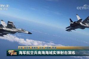 'Pháo đài bay' B-52 Mỹ quần lượn Biển Đông, Trung Quốc lập tức tung phóng sự tập trận bắn đạn thật