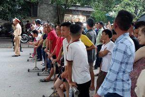 Huy động mọi biện pháp bắt giữ kẻ ôm lựu đạn cố thủ trong nhà ở Nghệ An